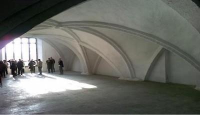 Cremona. Vecchio Ospedale. Una ex sala degenze rivacata sotto i volti della antica chiesa