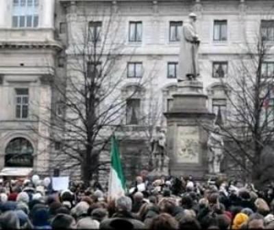 Milano.Le donne chiedono le dimissioni di Berlusconi