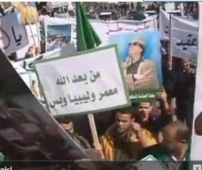 Libia.Si inneggia a Gheddafi