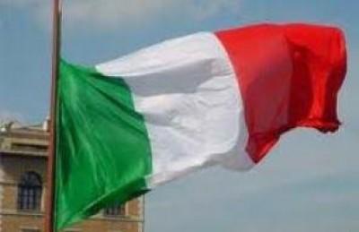 Casalmaggiore.Sucesso distribuzione bandiera italiana