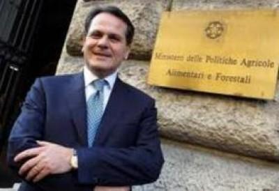 Il Ministro Romano contro i gay. Ascolta