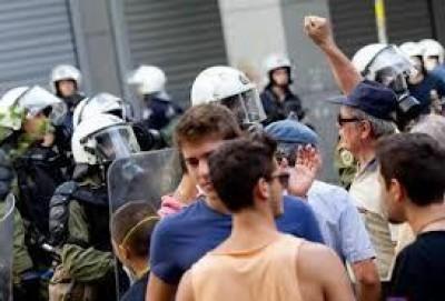 Grecia e Portogallo protestano contro l'austerità