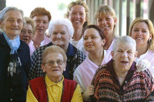 Anziani, da quest'anno bonus sociale per le vacanze al mare