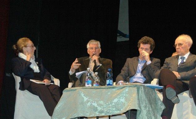 Cremona Riflessioni indotte dalla 'scoperta'del poeta dialettale Emilio Zanoni