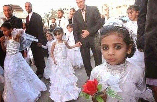 Risultati immagini per bambine che si sposano