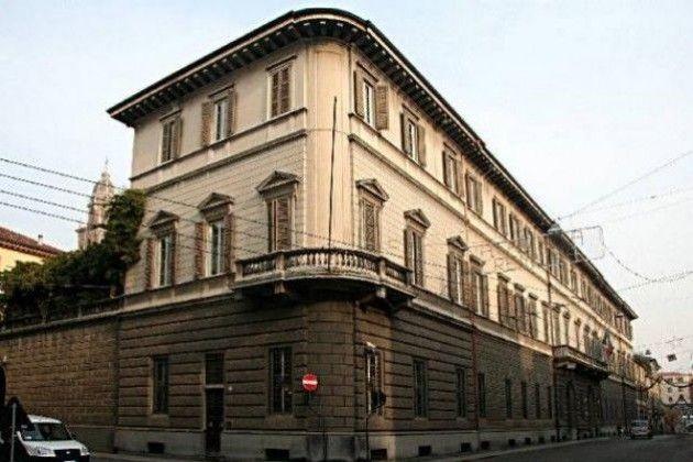 Sant'Omobono a Cremona, riposano anche gli uffici della Prefettura