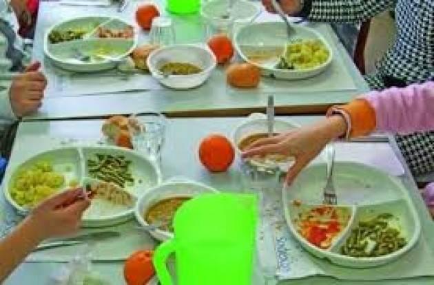 Mense scolastiche Alloni (Pd) : Per la maggioranza e gli M5S il pasto a scuola non è un momento educativo