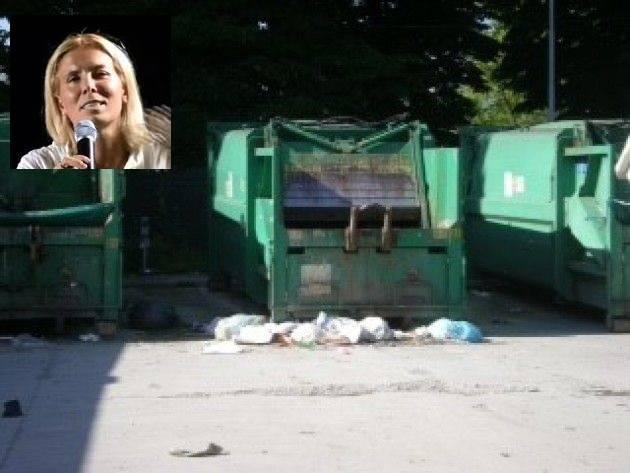 Alessia Manfredini La piazzola dei rifiuti di via dei Cipressi (Cremona)verrà smantellata (Intervista telefonica)