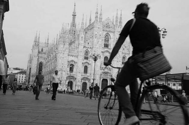 Milano, Settimana del Mobile, tutti in bici con 'Cycling The Week'