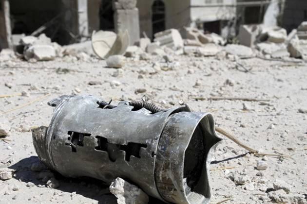 Siria - Terriifcanti testimonianze sulla vita sotto assedio a Daraya (Video)