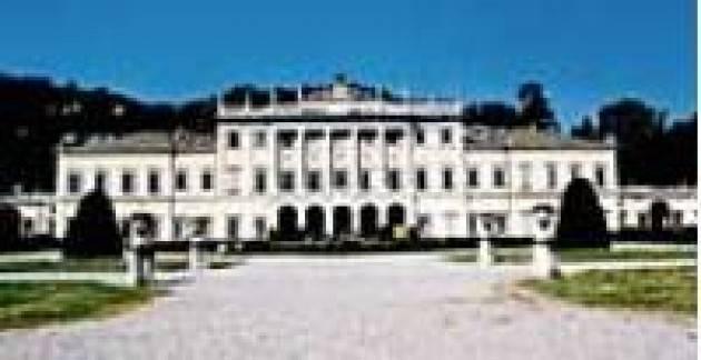 Como - Cavadini: dobbiamo rinunciare alla mostra a Villa Olmo quest'estate