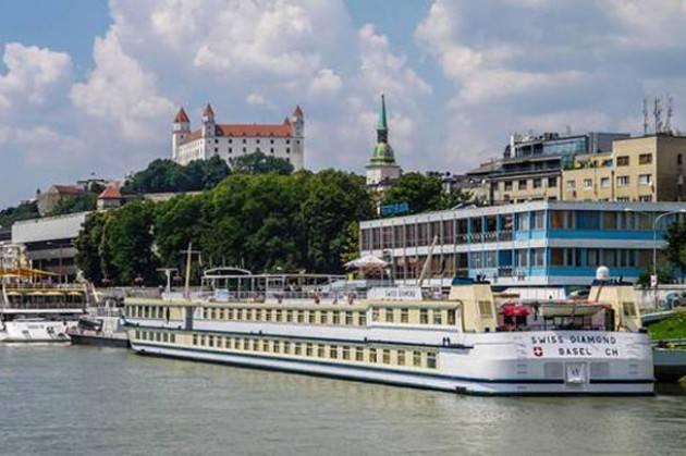 Slovacchia, riapre dopo più sette anni il Ponte Vecchio di Bratislava