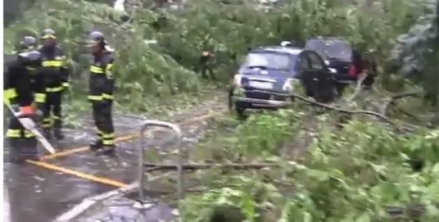 Milano nubifragio si abbatte sulla citta 39 evacuata una for Una citta sulla garonna