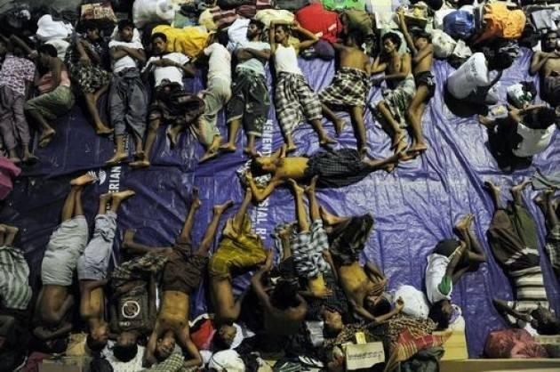Pianeta Migranti. Altri 700 morti in mare negli ultimi giorni. L'Europa si deve vergognare.