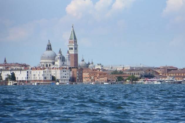 VOGA SOLIDALE: da Venezia un messaggio di solidarietà soggetti affetti da autismo