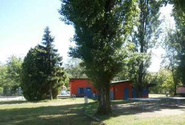 Lodi - Belgiardino, procedura negoziata per la gestione di piscina e parco