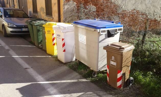 Cremona Raccolta rifiuti I lavoratori 'FE.MAR' lamentano ritardi nel pagamento degli stipendi di Daniele Pirri