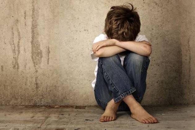 Psicologo ha sottratto il bambino solo per vedere come lui sta senza la famiglia
