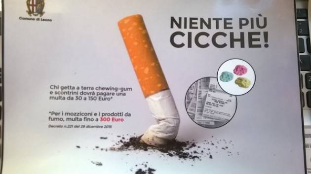 Lecco Affissi i nuovi cartelli che invitano a gettare i rifiuti a terra ed a raccogliere gli escrementi dei cani