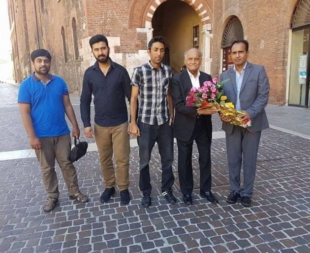 Cremona Conclusa la mostra sul Pakistan con la visita poeta pakistano Anwar Masood