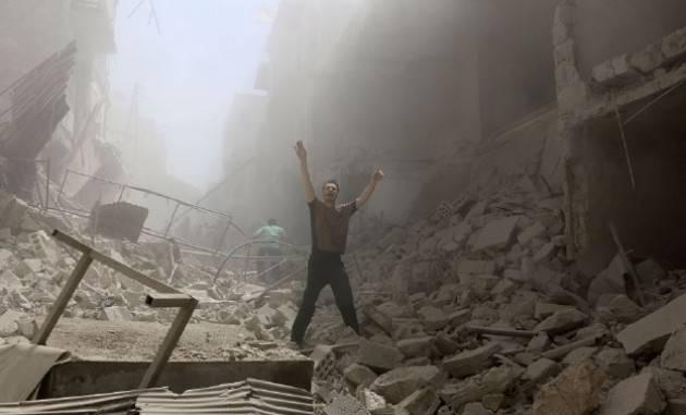 (Video) Pianeta migranti. Appello ai cremonesi per dire stop alle armi, alle guerre, ai profughi e alla finanza armata.
