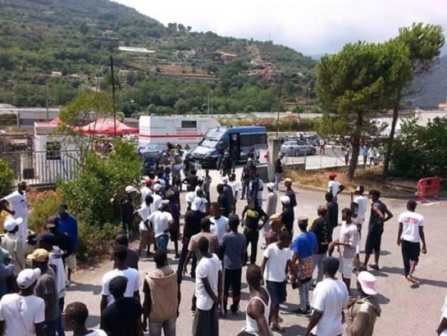 Pianeta Migranti. L'Italia va a braccetto coi dittatori africani.