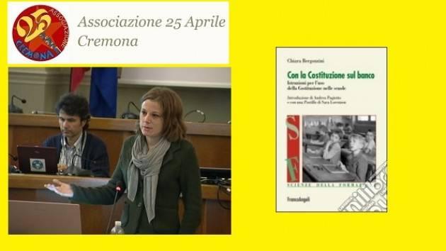Ass.25 Aprile Cremona Chiara Bergonzini  presenta  martedi 24 gennaio  il libro 'La Costituzione sul banco'