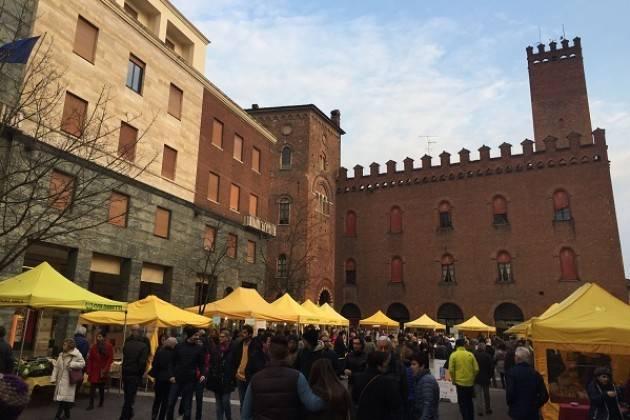 Coldiretti al mercato di campagna amica a cremona for Mercato domenica milano