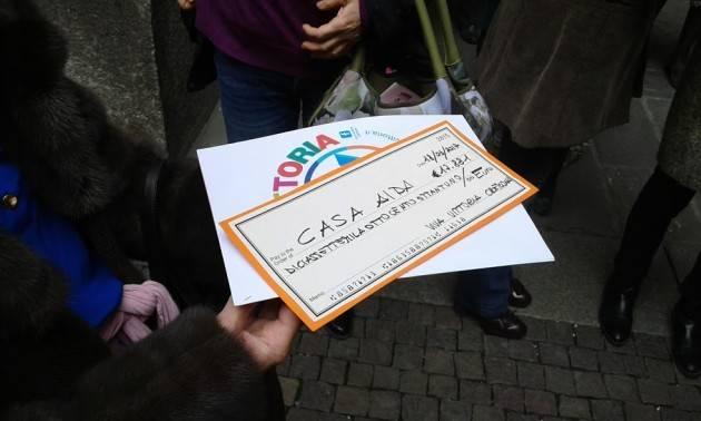 (Video) Casa AIDA Viva Vittoria dona ad AIDA ben 17.881 euro La Fondazione Città di Cremona altri 15 mila