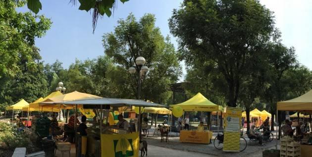 Coldiretti Campagna Amica domenica ai giardini di Cremona