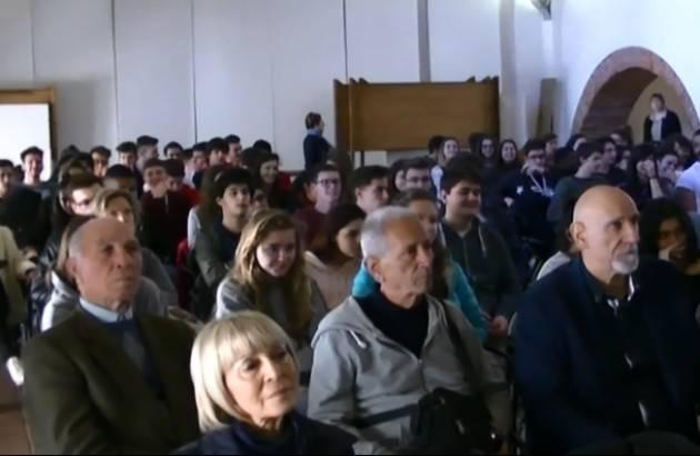 (Video) Casalmaggiore Repubblica Fondata sul Lavoro Convegno Incontro pensionati Spi-Cgil e studenti 'Romani'
