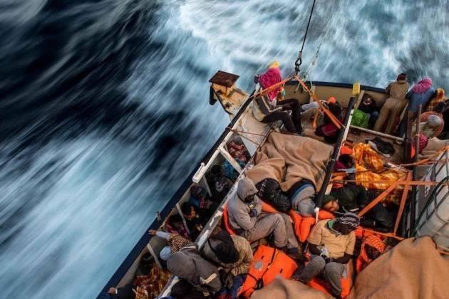 Salvare le vite dei migranti in mare è un dovere giuridico e morale Lapo Pasquetti (S.I.)