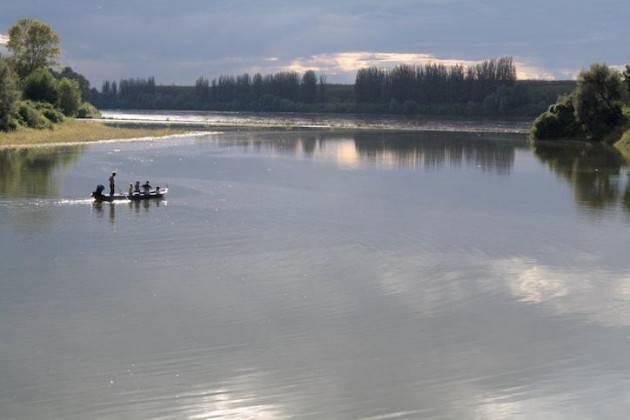 grande fiume po noi che siamo nati sul grande fiume conosciamo le