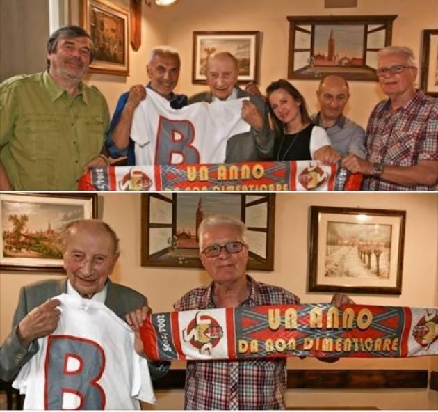 Mario Coppetti 104 anni Il più longevo tifoso grigiorosso di Giorgio Barbieri