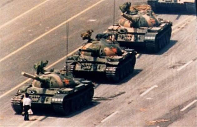 AccaddeOggi  #4giugno 1989-I dimostranti di Piazza Tiananmen, a Pechino, vengono repressi