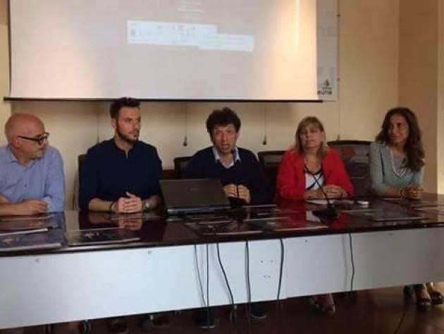 (Video) Santo Canale  presenta Moda e prevenzione sotto il Torrazzo di Cremona dalle ore 21 in Piazza Stradivari  sabato 10 giugno