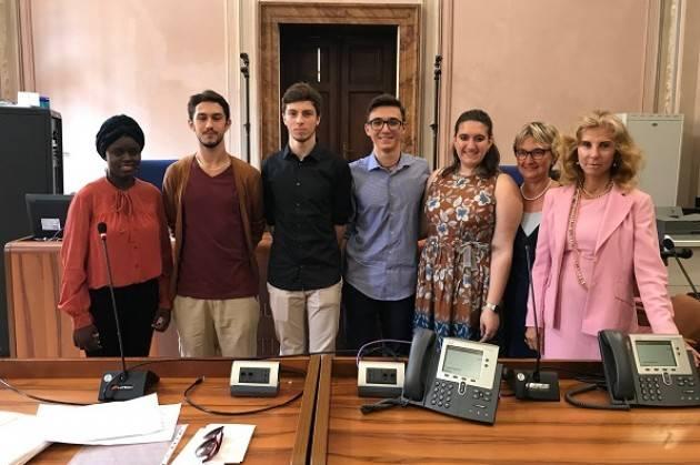 Camera Penale di Cremona e Crema consegna bose di studio 'Il nemico in rete'