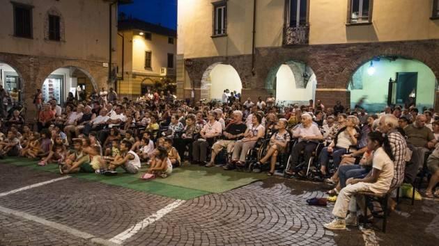 Burattini in Cascina  2 agosto nel Comune di Polesine-Zibello in Paolino  e il Po