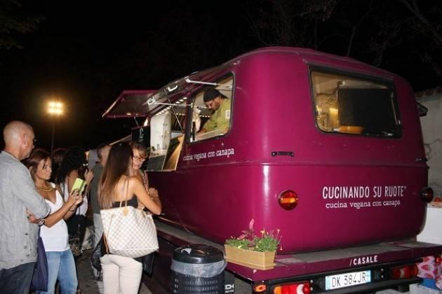 RIVOLTA D'ADDA (CR) - E.. state con gli animali  evento vegan etico e animalista