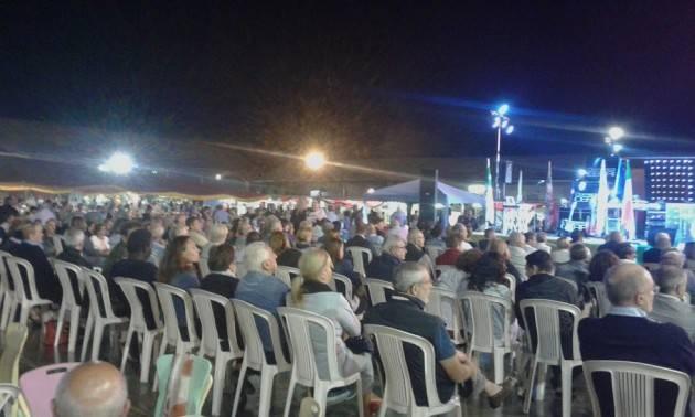 Dopo il pienone con Matteo Renzi Stasera Lunedi 4 settembre i fuochi d'artificio chiuono ad OMBRIANELLO la  FESTA DE L'UNITÀ DEL CREMASCO