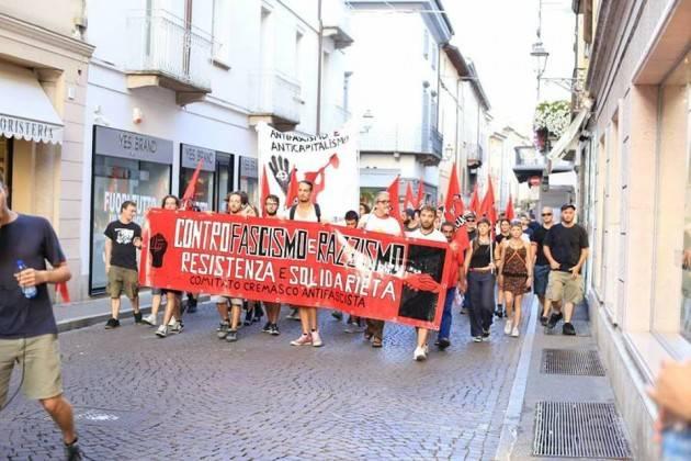 Crema antifascista  ha risposto  di Alessio Maganuco