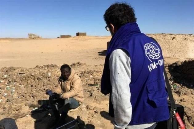 Pianeta migranti. Meno morti nel Mediterraneo e più morti nel deserto