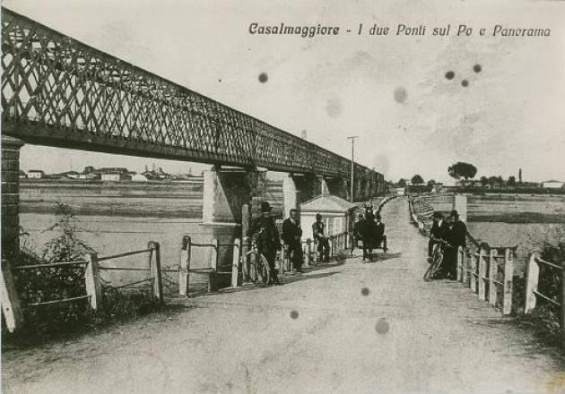 Casalmaggiore Il vecchio ponte di barche veniva bombardato ogni giorno e  prontamente ripristinato di Ernesto Biagi