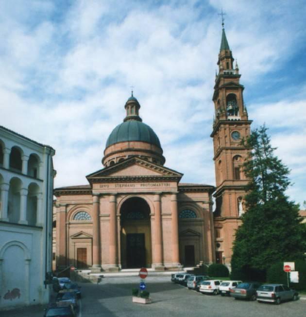 Casalmaggiore  Don Ottorino  e il  rosario contro l'islamismo di Pierluigi Pasotto
