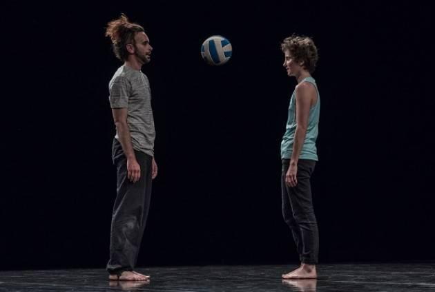La FLIC Scuola di Circo di Torino presenta 'LIONEL' il 16 novembre