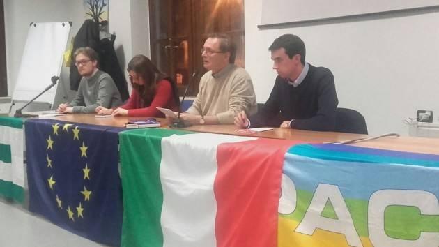Cremona Esordio positivo e partecipato quello del'Forum delle idee' ieri in sala Zanoni con Ferruccio Capelli