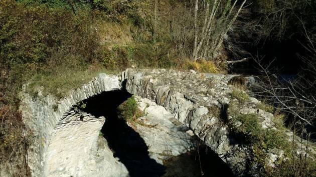 Alle origini della nostra civiltà : l'antico ponte di Glori  di Christian Flammia