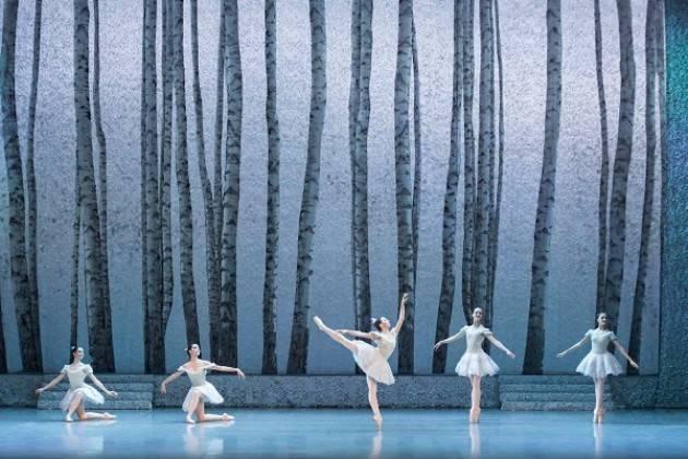 Al teatro Ponchielli il balletto 'Cenerentola'  con gli allievi dell'Accademia Teatro alla Scala