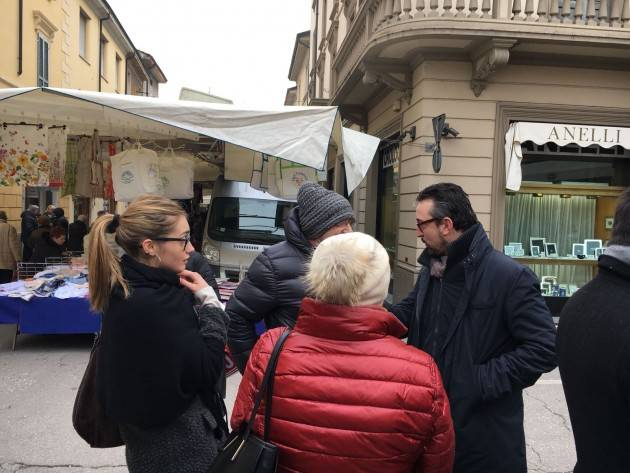 Matteo Piloni (Pd) Al mercato di Soresina
