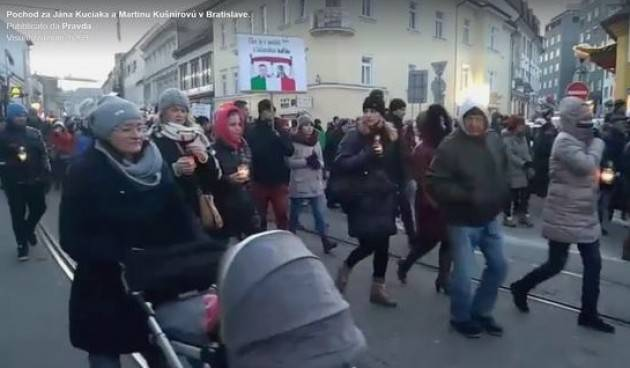 Slovacchia Migliaia di persone hanno commemorato Jan Kuciak e protestato contro la corruzione